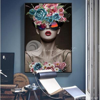cô gái và hoa trang trí - TBAV12-99