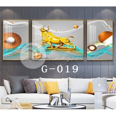 Tranh bộ 3 bức, con trâu mạ vàng đứng trên dải vân-G-019