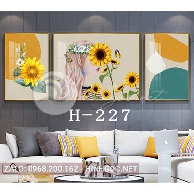 Bộ 3 tranh cô gái cài hoa hướng dương-H-227