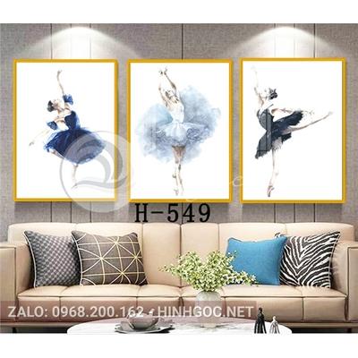 Tranh bộ 3 bức, tranh chân dung cô gái vũ công-H-549