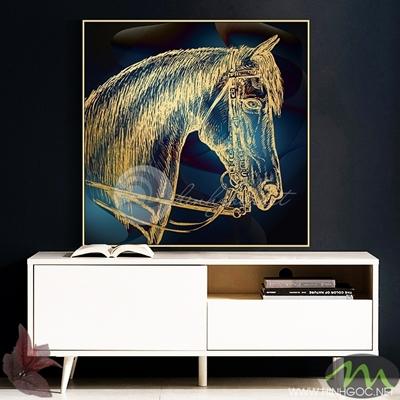 Tranh ngựa vàng nền đen - PEN51