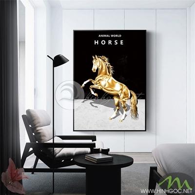 Tranh ngựa vàng tung vó nền đen - PEN88