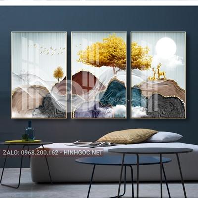 Tranh bộ 3 bức, con hươu đứng trên núi và cây tuần lộc vàng-QART-179